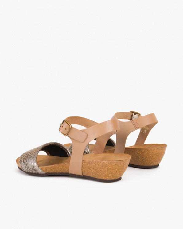 Beżowe sandały skórzane na koturnie  009 -17218-GRIS