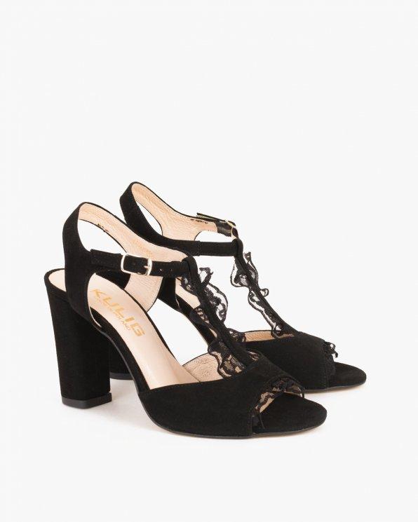Czarne sandały na słupku z ozdobą  061 -32020-2-CZA