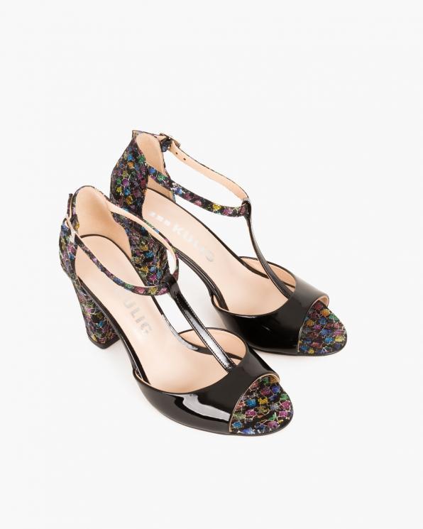 Czarne sandały lakierowane z motywem  018 6191-CZARNY