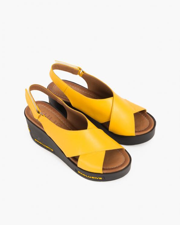 Żółte sandały damskie skórzane na koturnie  084-1081-ŻÓŁTY
