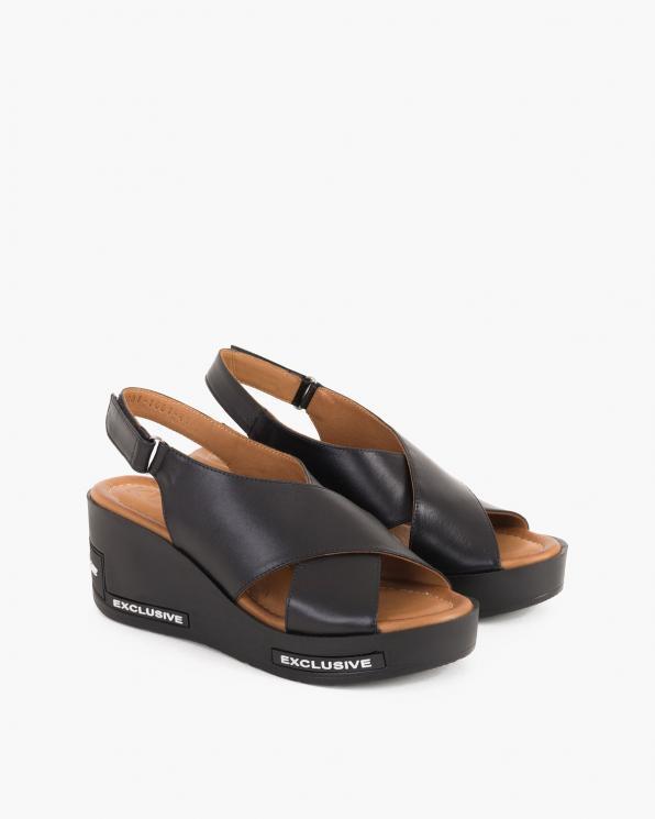 Czarne sandały damskie skórzane na koturnie  084-1081-CZARNY