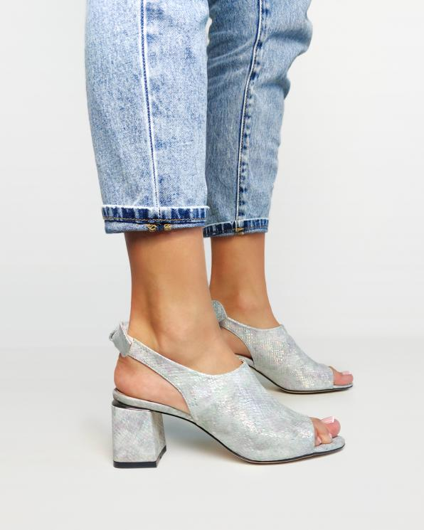 Wielokolorowe sandały damskie nubukowe z motywem  101-471-197