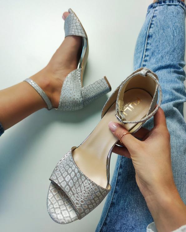 Srebrne sandały damskie nubukowe z motywem  058-7893-D-78