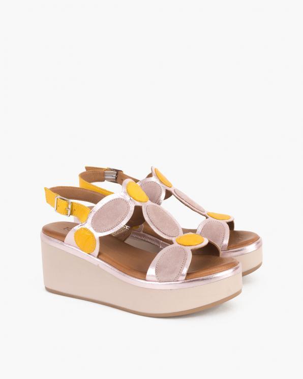 Beżowo-żółte sandały damskie skórzane na koturnie  103-8021-BEŻ