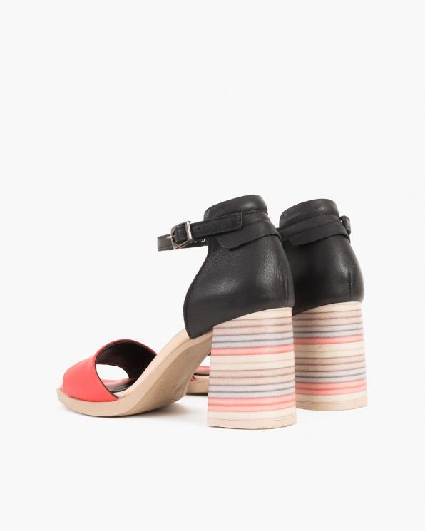 Czarno-koralowe sandały damskie skórzane na słupku  086-2475-048-051