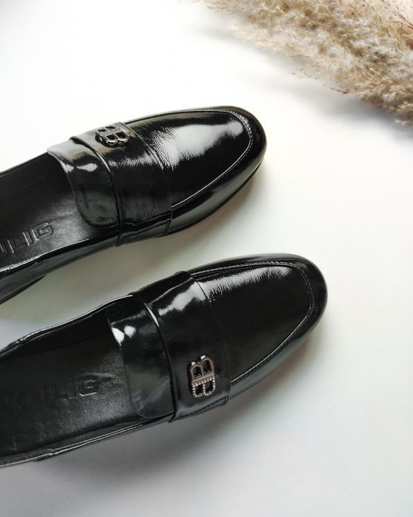 Czarne mokasyny damskie lakierowane lordsy  106-9204-CZARNY