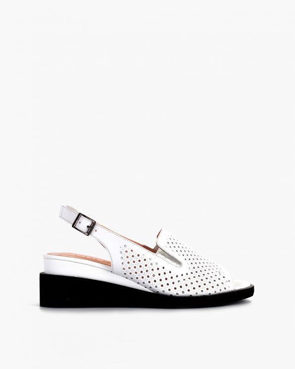 Białe sandały damskie skórzane na koturnie  108-123-10