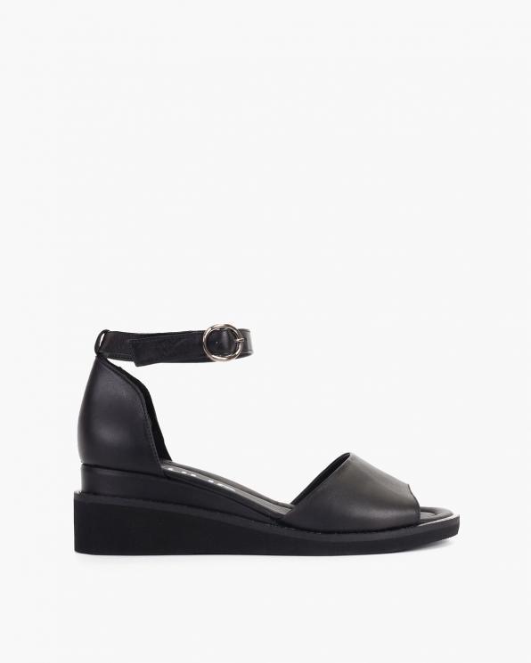 Czarne sandały damskie skórzane na koturnie  108-1071-CZARNY