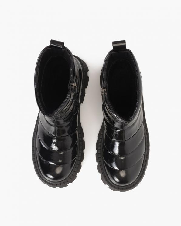 Czarne botki lakierowane pikowane  108-24-CZARNY