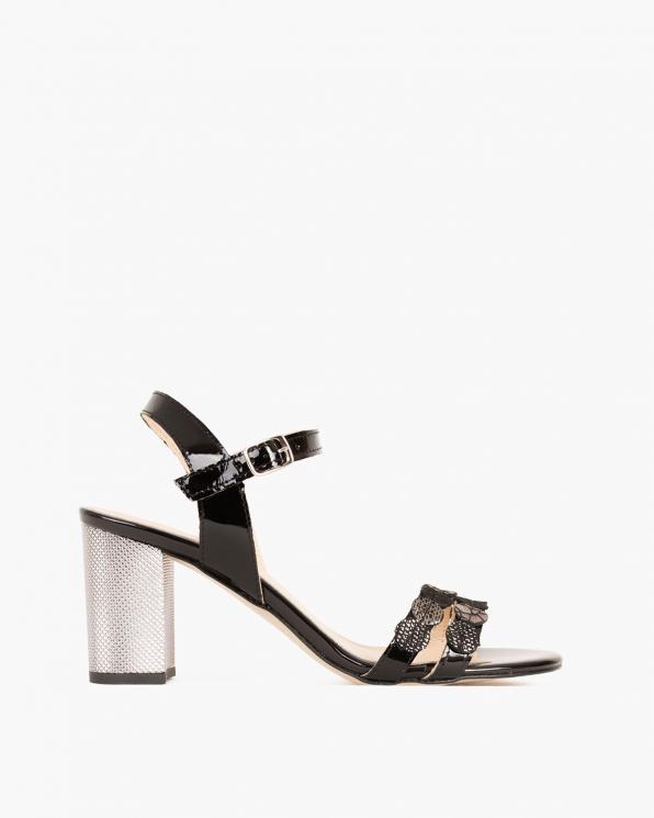 Czarne sandały lakierowane na słupku  058 8563-CZAR LA