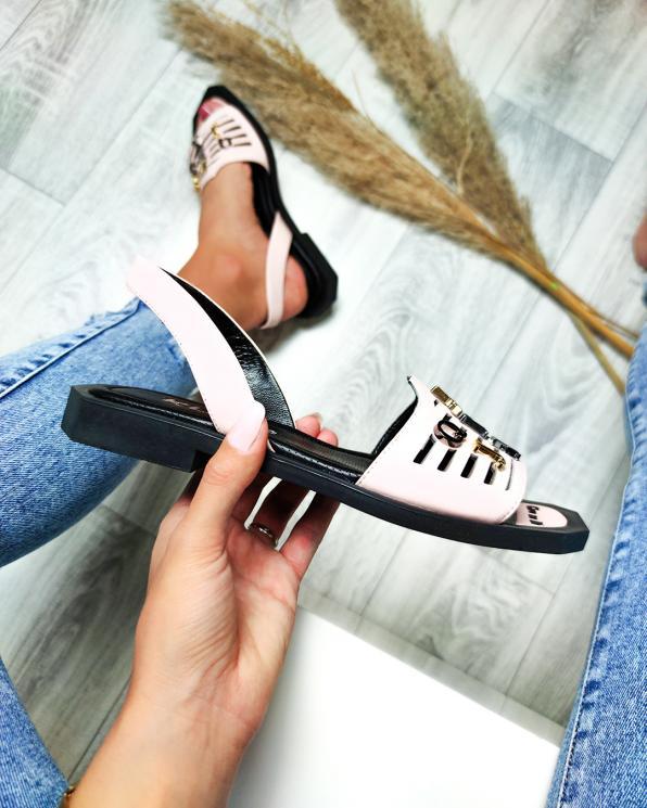 Pudrowe sandały damskie skórzane z literkami  108-858-PUDRA