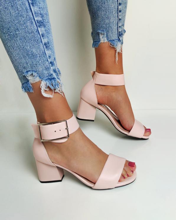 Pudrowe sandały damskie skórzane na słupku  108-568-PUDROWY
