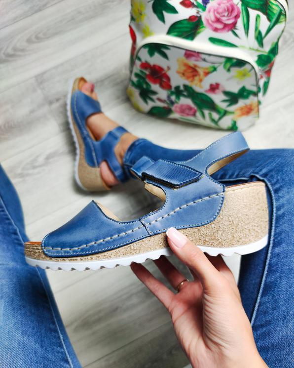 Niebieskie sandały damskie skórzane na koturnie  110-474-JEANS