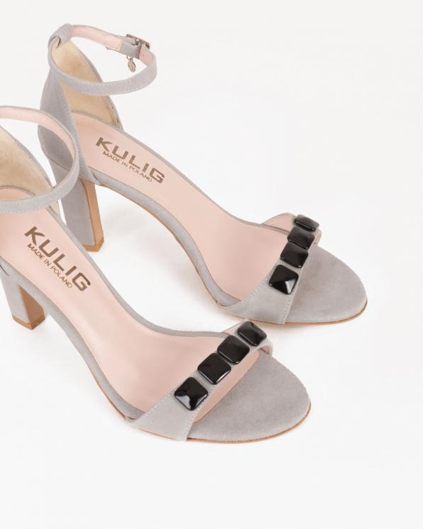 Szare sandały na słupku z ozdobą  053 -2980-POPIEL
