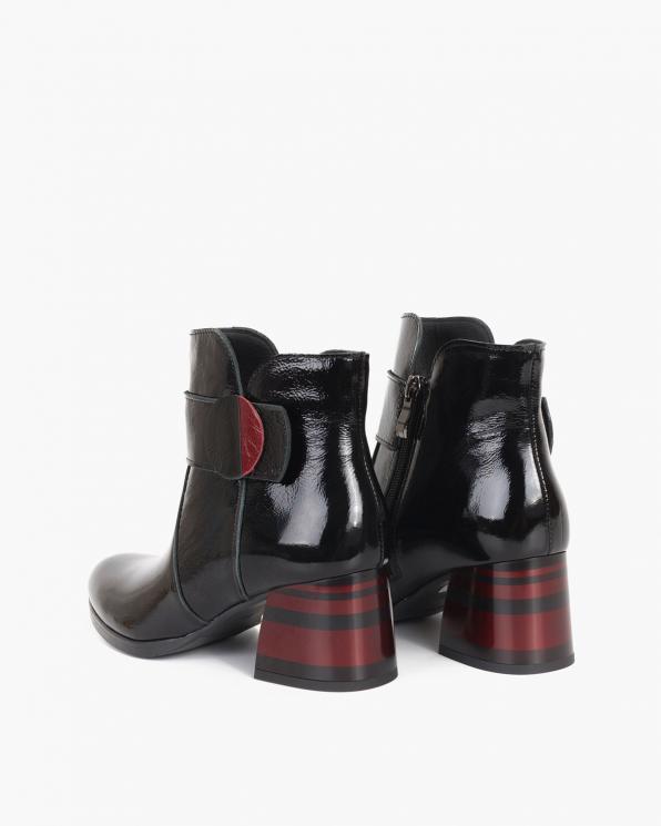 Czarno-czerwone botki lakierowane na klocku 058-8625-CZERWON