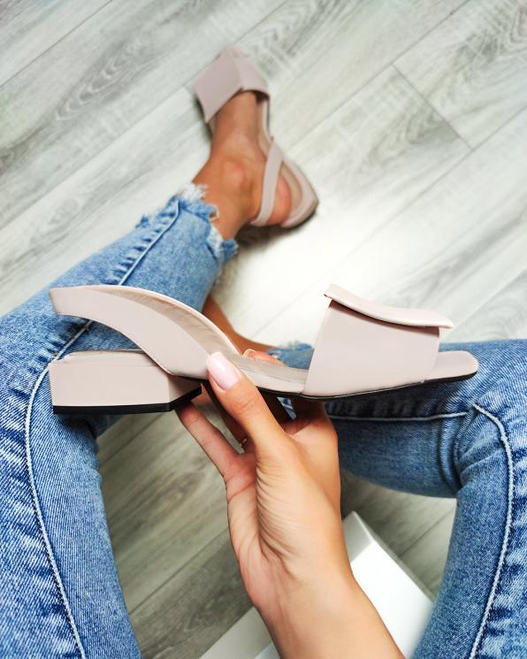 Beżowe sandały damskie skórzane  108-805-CAPUCINO